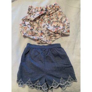 Gap   two pairs of shorts 👯♀️